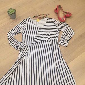 Liz Lange • Asymmetrical Blue/White V-Neck Dress